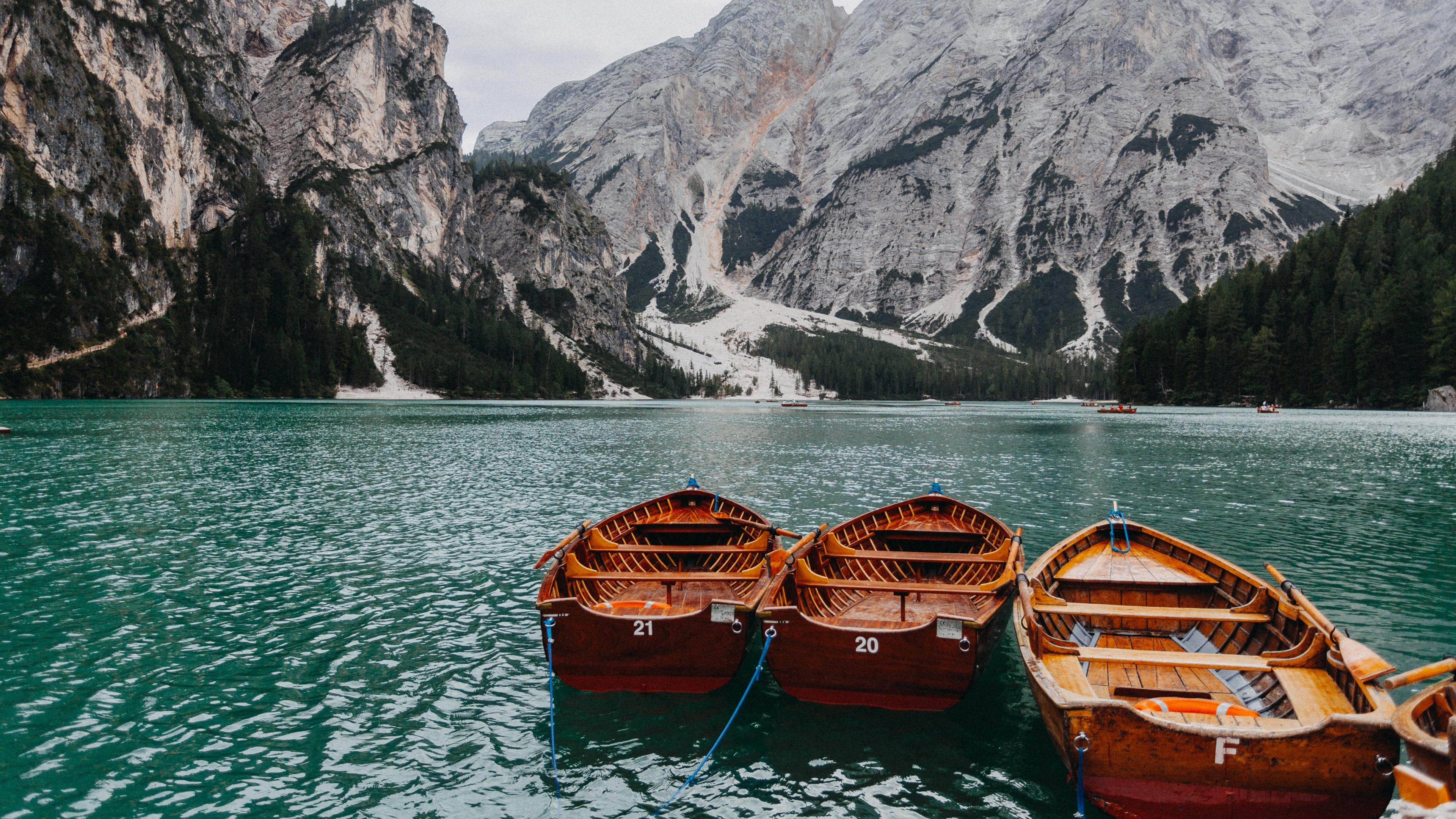каньон горы озеро лодка анонимно