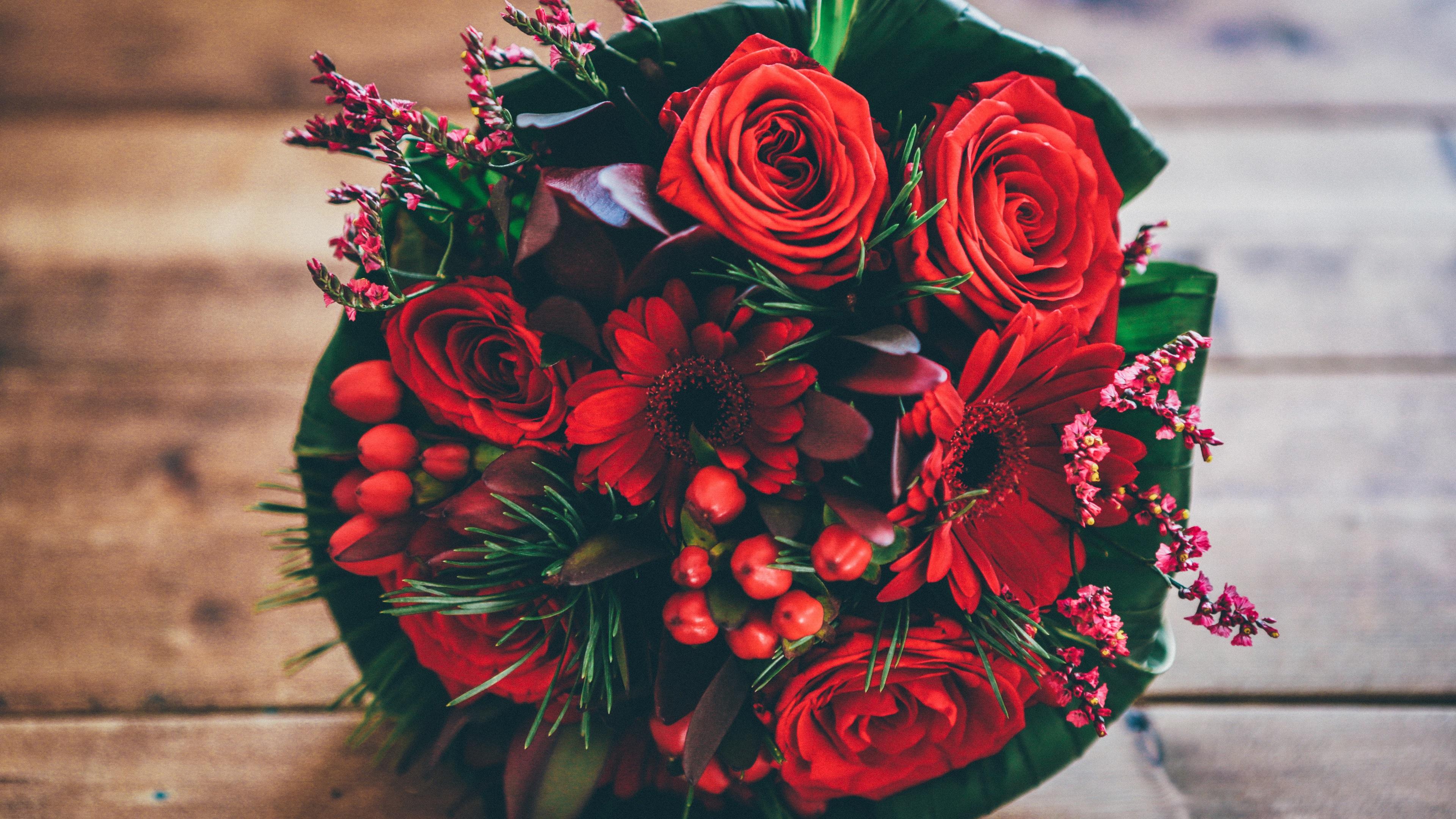 такое заявление красивые картинки с букетами из красных цветов после окончания