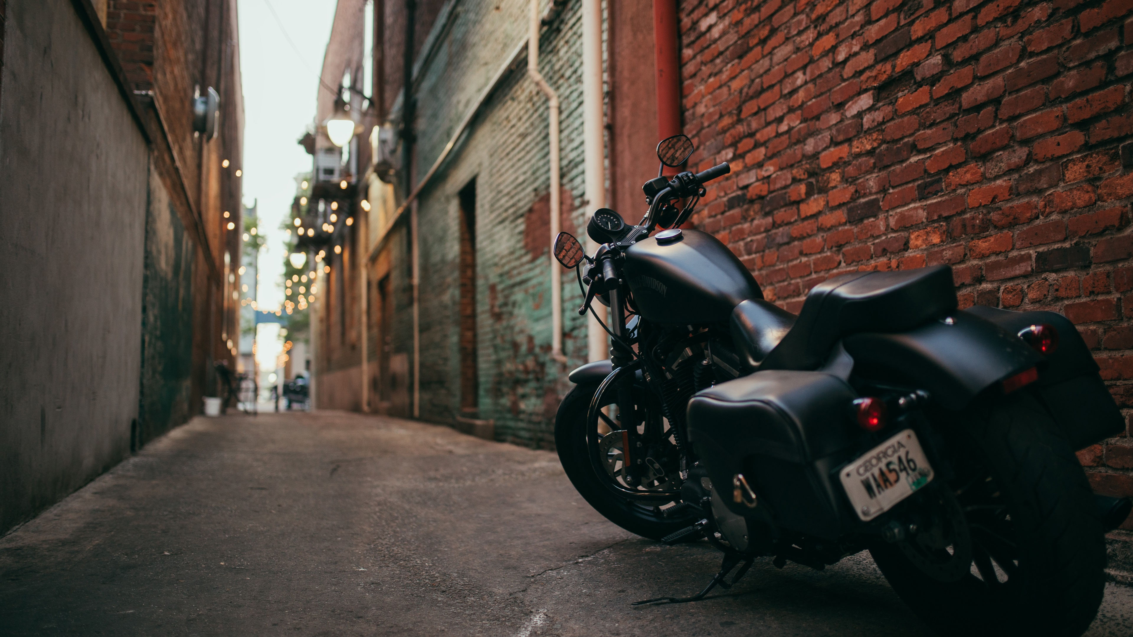 Wallpaper Harley Davidson Black Motorcycle Back View Path 3840x2160 Uhd 4k Picture Image