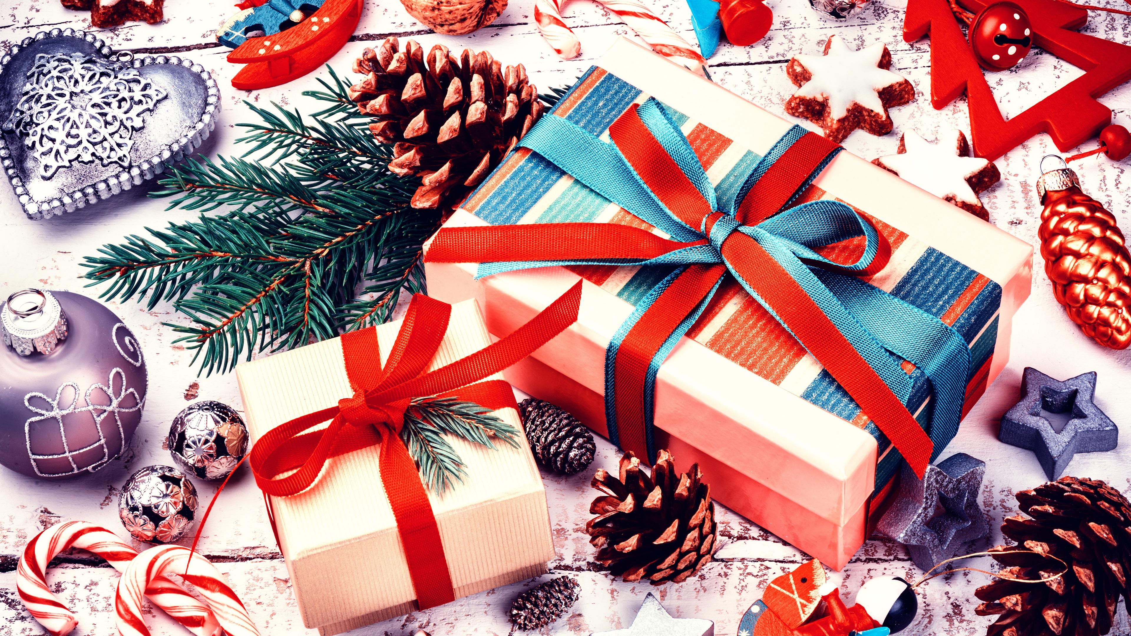 Frohe Weihnachten, Dekoration, Geschenke, Bälle, Kekse, Süßigkeiten ...