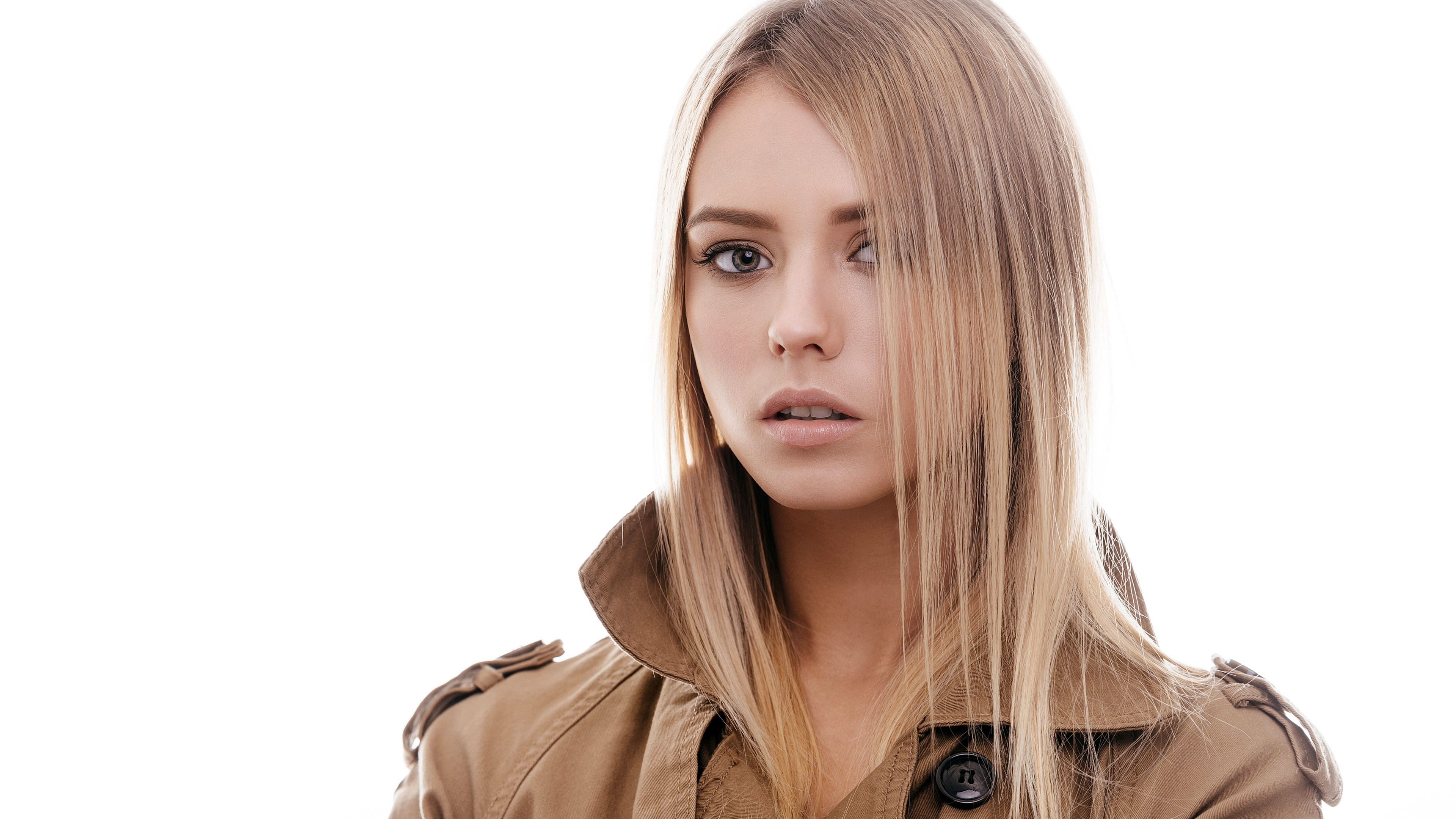 Wallpaper Blonde Girl Hairstyle White Background 3840x2160 Uhd 4k Picture Image