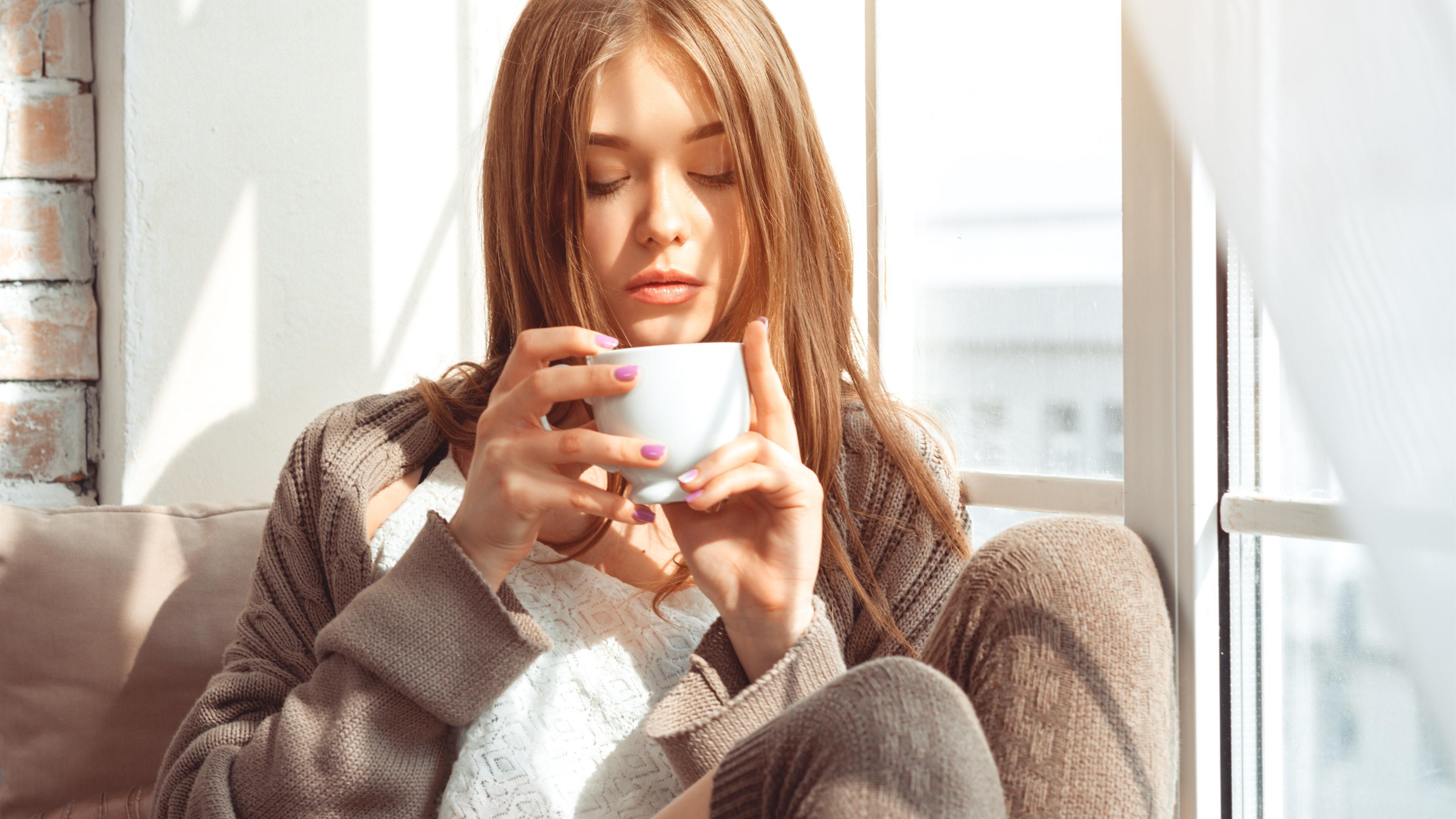 Картинки девушка с чашкой кофе, днем рождения