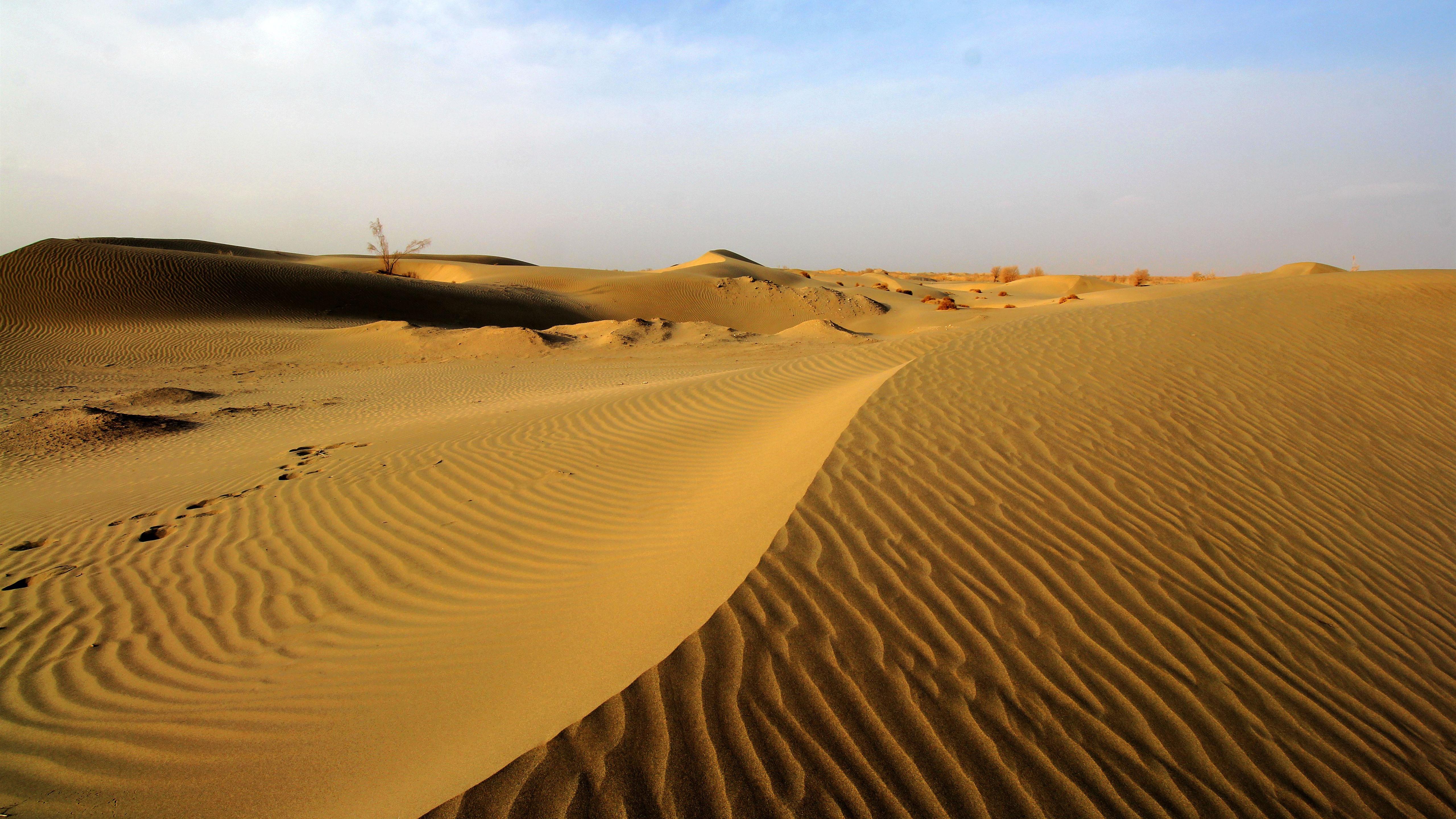 Wallpaper Taklamakan Desert Dune 5120x2880 UHD 5K Picture Image