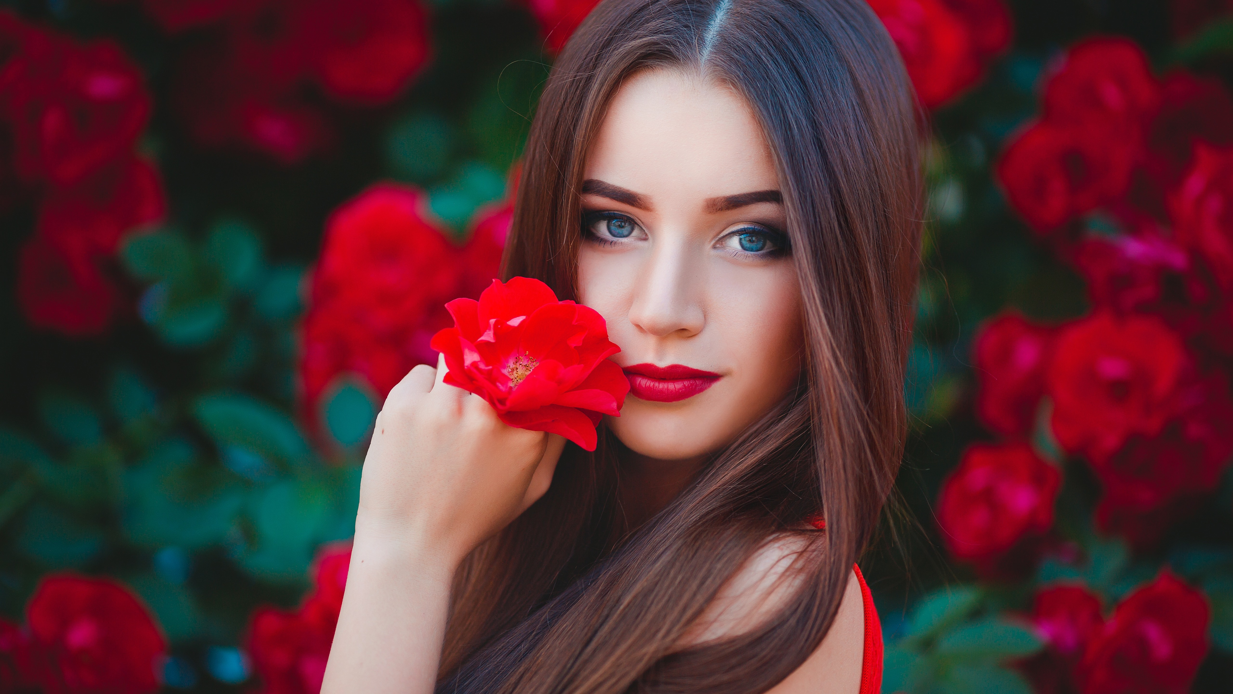 Wallpaper Blue Eyes Girl Brown Hair Red Flowers 5120x2880 Uhd 5k Picture Image