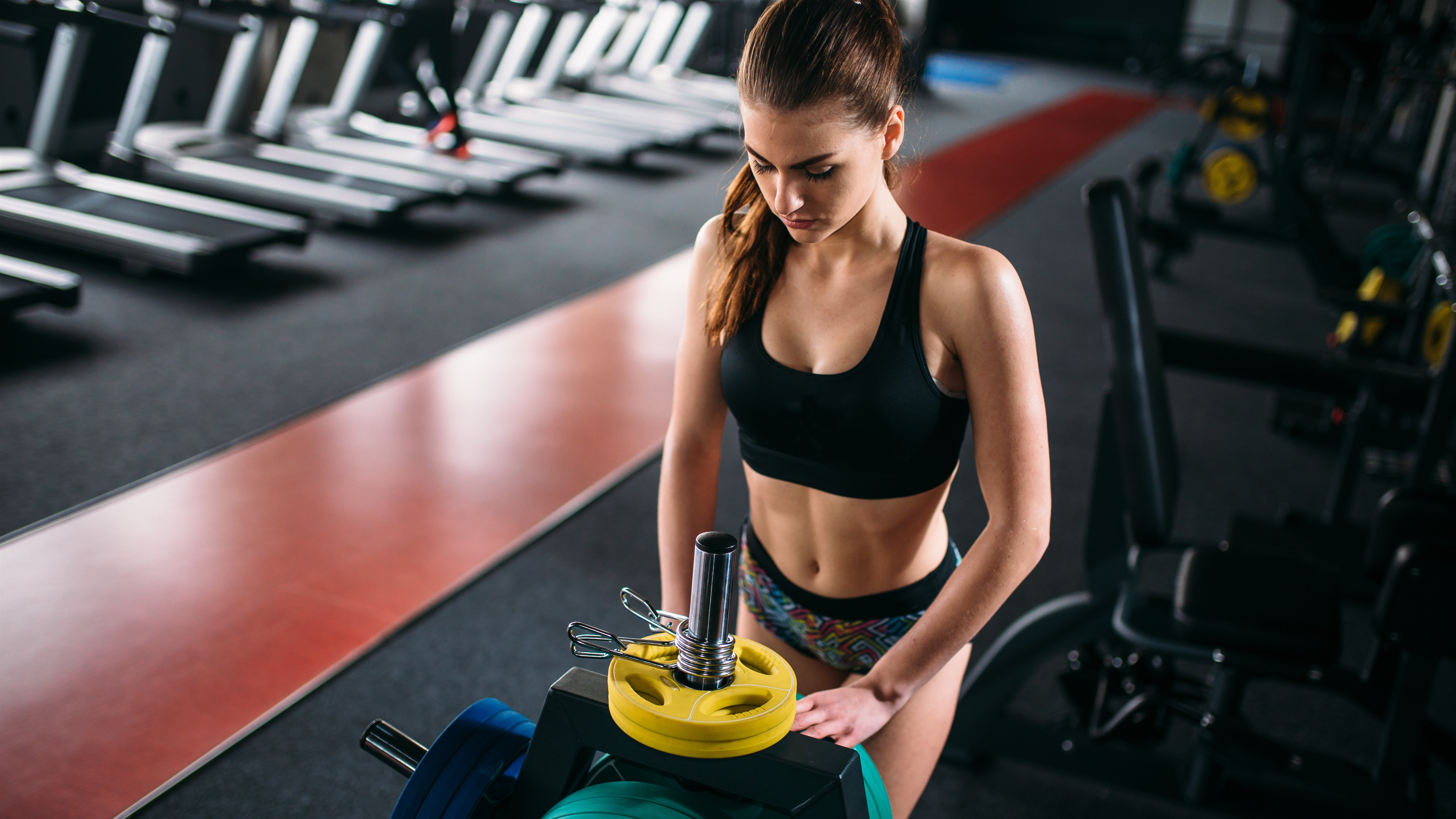 Wallpaper Fitness Girl Gym 5120x2880 Uhd 5k Picture Image