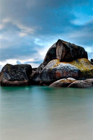 iPhone Wallpaper Boulders in the sea, blue sky