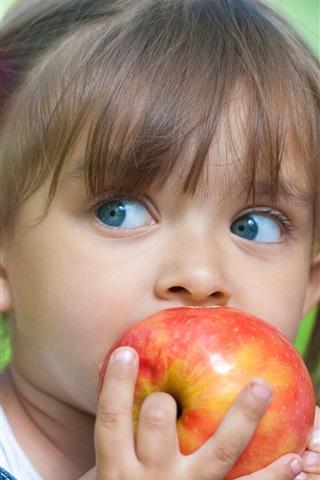 iPhone Wallpaper Cute little girl eating apple