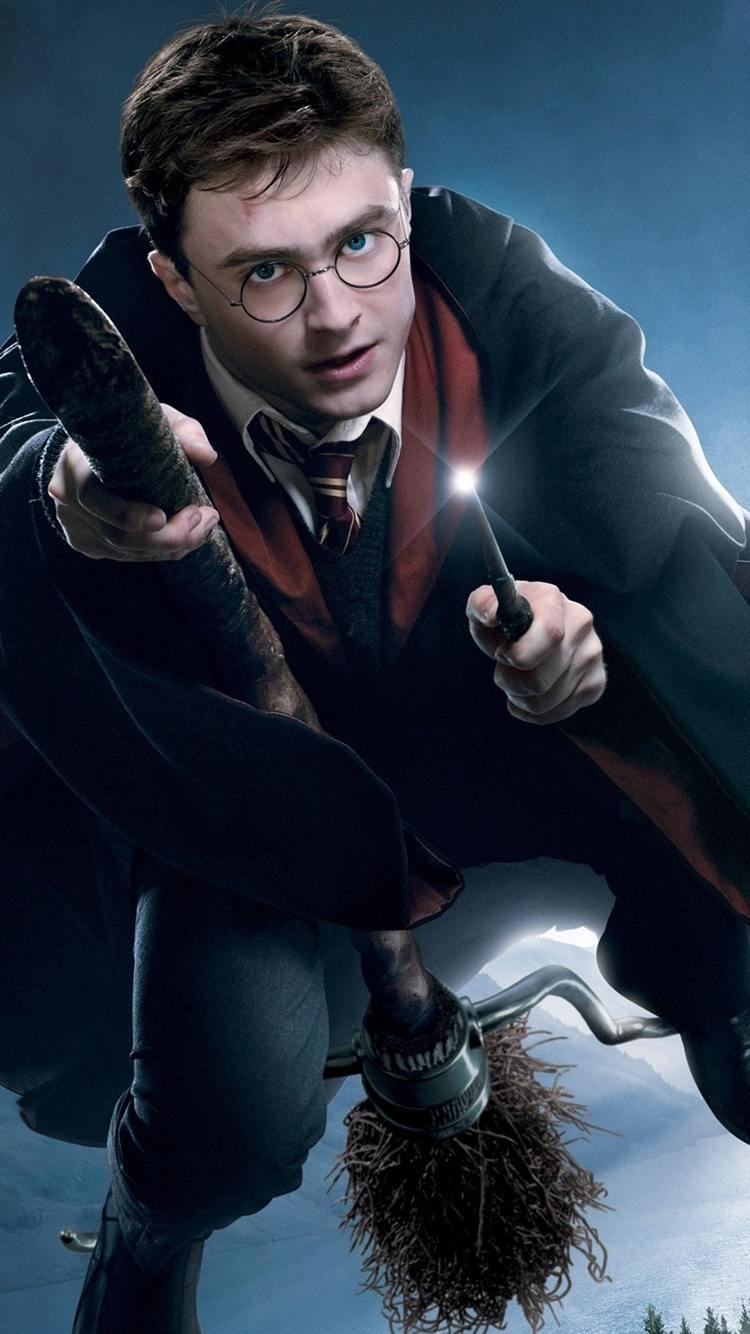 Flying In The Sky Of Harry Potter 750x1334 Iphone 8766s