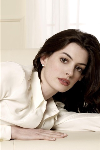 iPhone Wallpaper Anne Hathaway 04