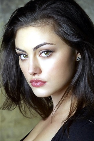 iPhone Wallpaper Phoebe Tonkin 02