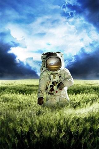 iPhone Wallpaper Astronaut vast green grasslands