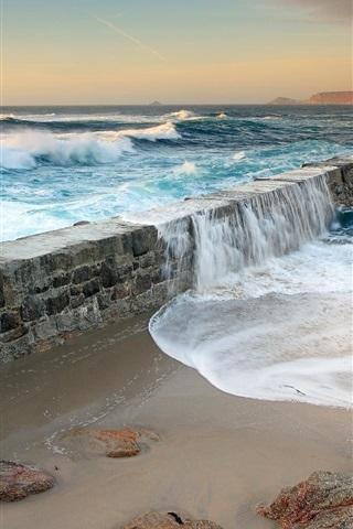 iPhone Wallpaper Sea water swept over the dams, coastal scenery