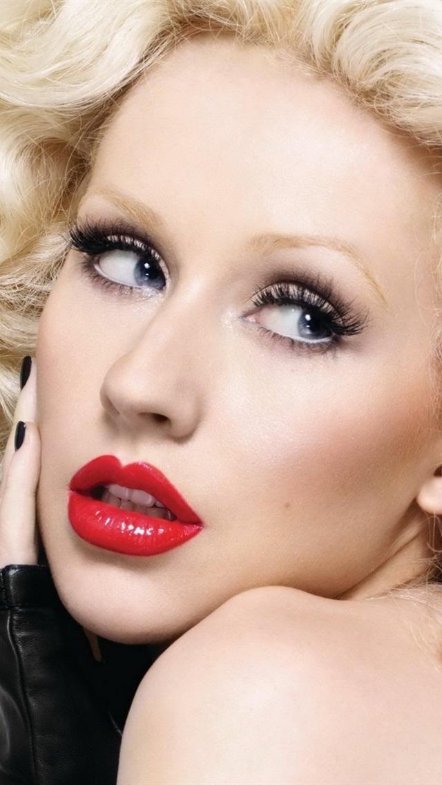 Christina Aguilera 14 640x1136 Iphone 5 5s 5c Se Wallpaper Background Picture Image