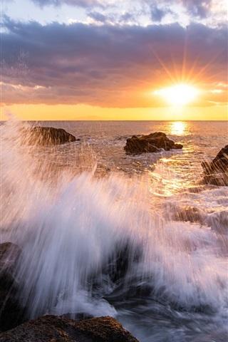 iPhone Wallpaper Japan, Kanagawa Prefecture, bay, beach, rocks, sunset, rays, sky, clouds