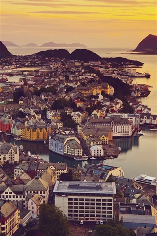 iPhone Wallpaper Alesund, Norway, city views, houses, sunset, ocean