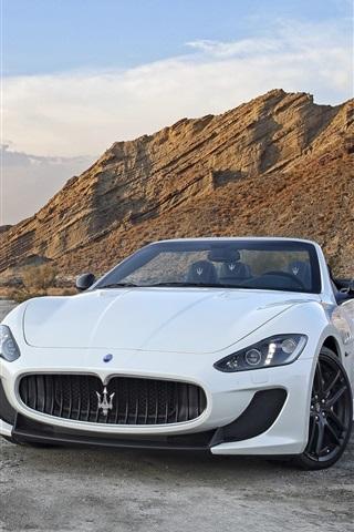 iPhone Wallpaper Two Maserati GranCabrio supercars