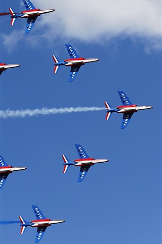 iPhone Wallpaper Air show, aircraft lined up flight, blue sky