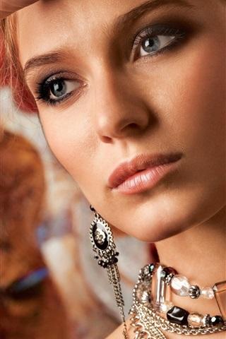 iPhone Wallpaper Girl, necklace, earrings