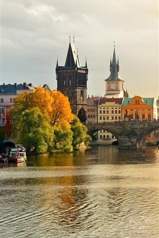 iPhone Wallpaper Prague, Charles Bridge, the river Vltava, water, boats, houses, autumn
