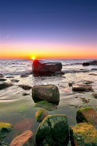 iPhone Wallpaper Sea, rocks, reefs, horizon, sky, clouds, dawn