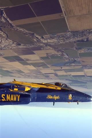 iPhone Wallpaper Fighter flying in the sky, flip flight
