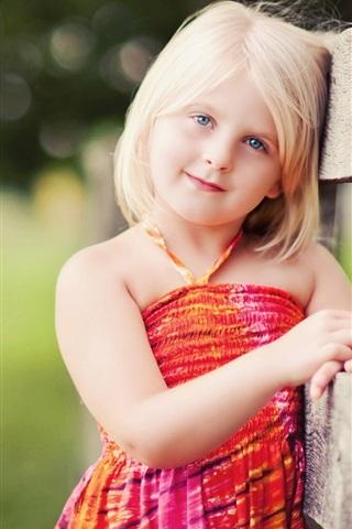 iPhone Papéis de Parede Loira linda menina sorriso