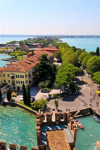iPhone Wallpaper Sirmione, Lombardy, Italy, Lake Garda, island, house, trees, panorama