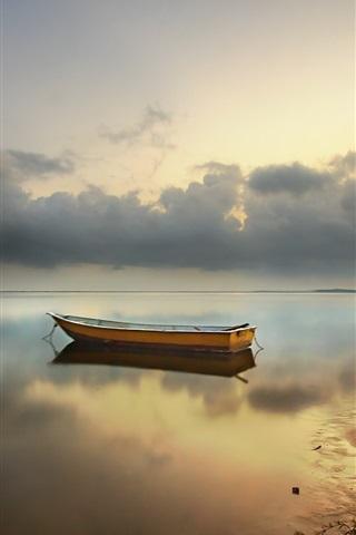 iPhone Wallpaper Bay, beach, boat, sea, dawn, clouds