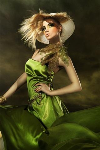 iPhone Wallpaper Green dress fashionable girl