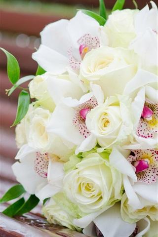 iPhoneの壁紙 ブーケの花、ホワイトローズ、蘭、ベンチ