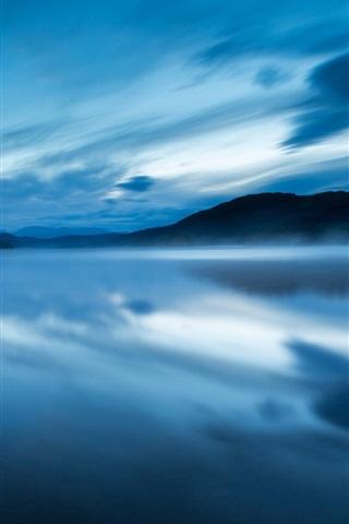 iPhone Обои Великобритания, Англия, заповедник, озеро, вечер, вода, туман, синий, небо, облака