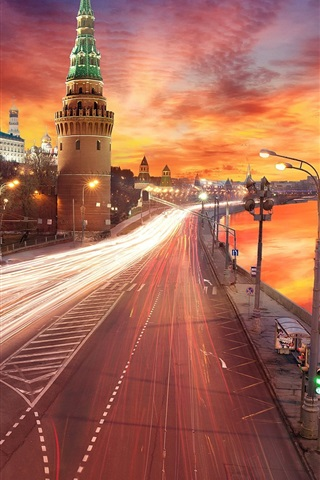 iPhone Wallpaper Moscow, Kremlin, river, lights, road, sunset, red sky