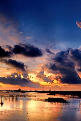 iPhone Wallpaper Sea, coast, sunset, clouds, grids