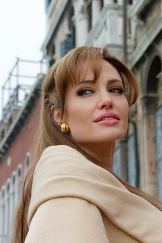 iPhone Wallpaper Angelina Jolie 01