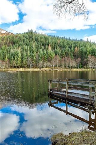 iPhone Papéis de Parede Céu azul, nuvens, montanha, floresta, lago, cais