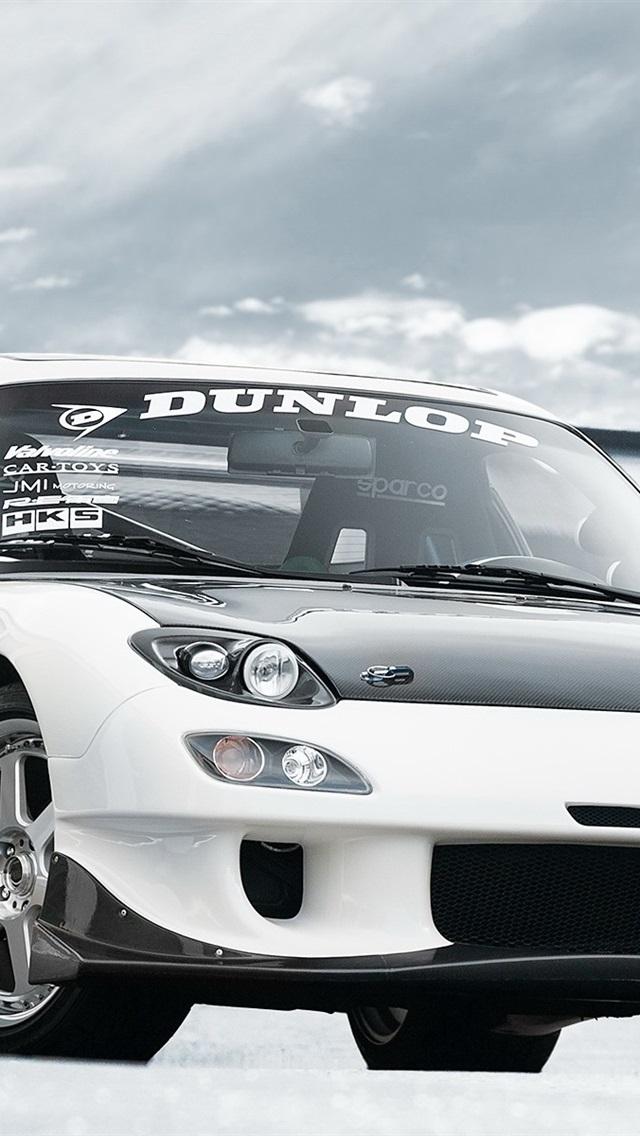 マツダrx 7白い車のフロントビュー 640x1136 Iphone 5 5s 5c Se 壁紙 背景 画像