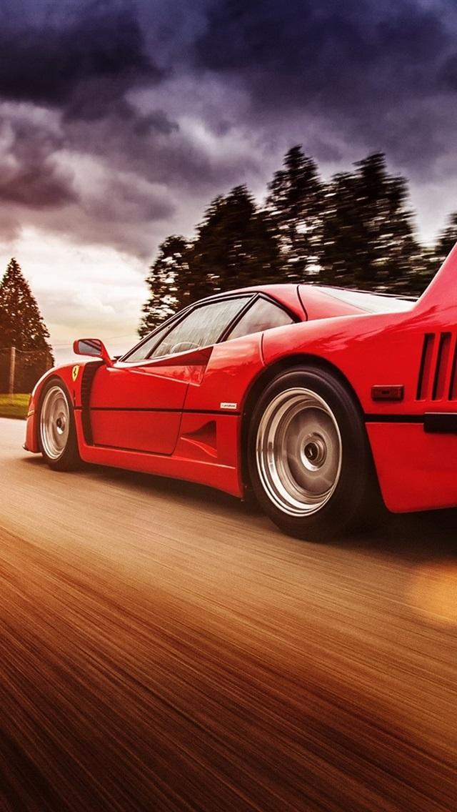 高速でのフェラーリf40赤いスーパーカー 640x1136 Iphone 5 5s 5c Se 壁紙 背景 画像