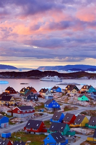 iPhone Wallpaper Greenland coast, colorful houses, mountains, clouds, dusk