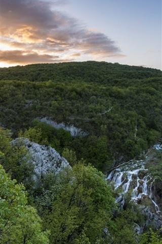 iPhone Wallpaper National Park, Plitvice Lakes, Croatia, waterfalls, mountains, trees, morning