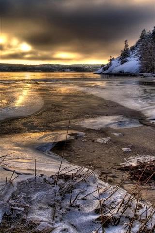 iPhone Wallpaper Sweden, water, ice, snow, trees, winter, dusk