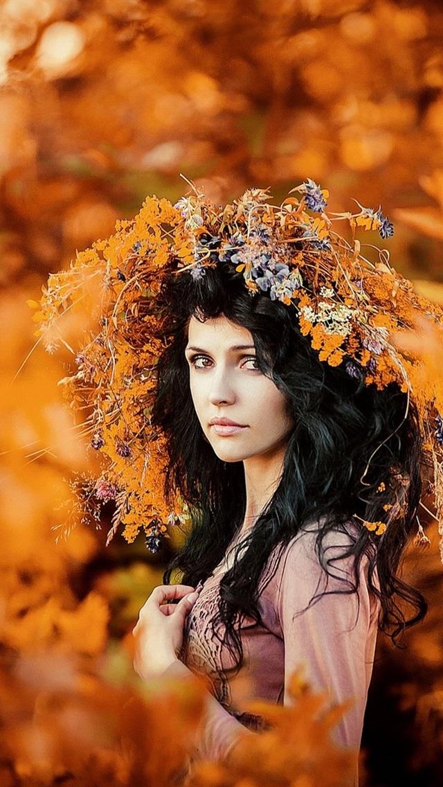 Autumn Portrait Wreath Girl Gold Season 640x1136 Iphone 5