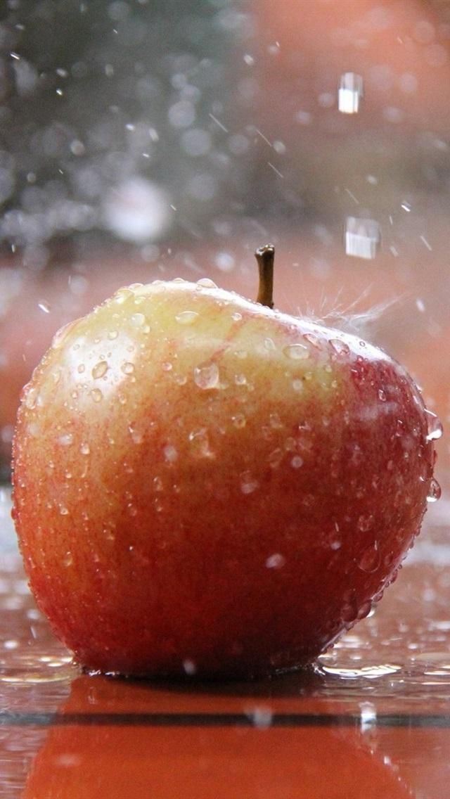 Red Apple In The Rain Water Splash 640x1136 Iphone 5 5s 5c