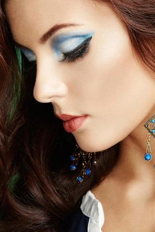 iPhone Wallpaper Portrait of beautiful, perfect makeup, fashion girl