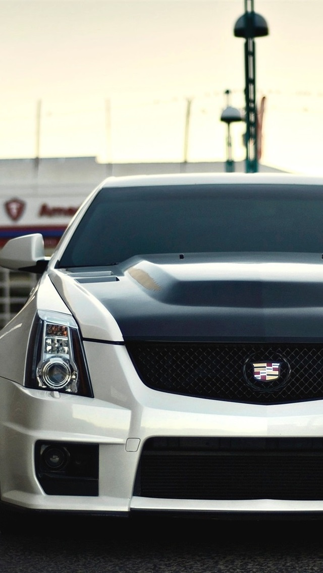 Coche Blanco Vista Frontal Cadillac Cts V 640x1136 Iphone 5 5s 5c Se