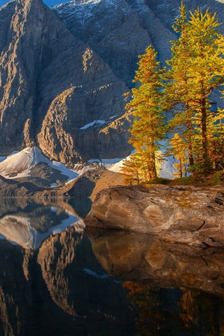 iPhone Wallpaper Kootenay, Canada, sky, mountains, lake, trees, reflection, autumn