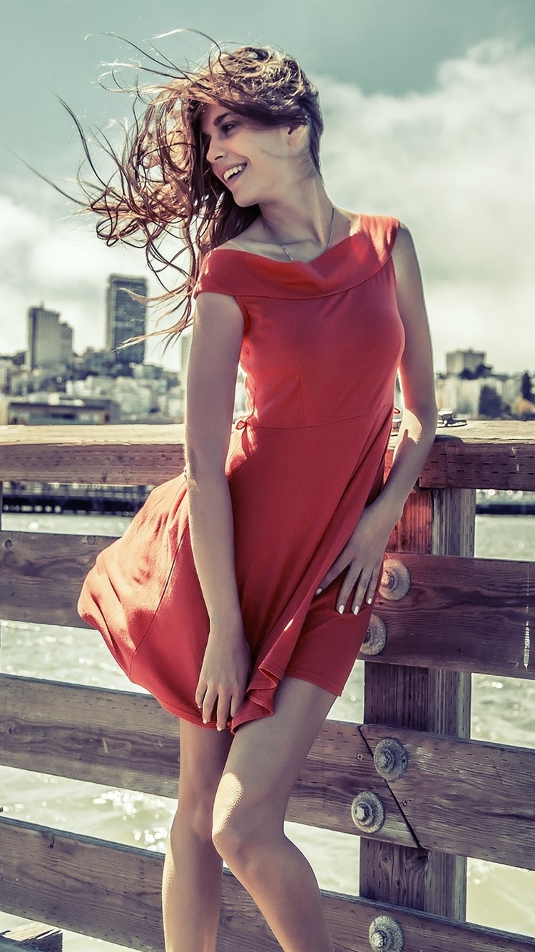 スマイル女の子 赤いドレス 風 750x1334 Iphone 8 7 6 6s 壁紙 背景 画像