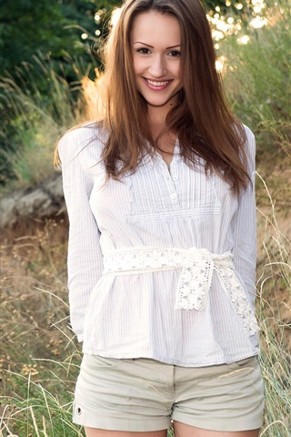 iPhone Wallpaper Beautiful brown haired girl, standing, smile