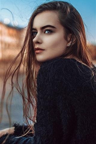 iPhone Papéis de Parede Moscou, retrato da menina, cabelo vermelho