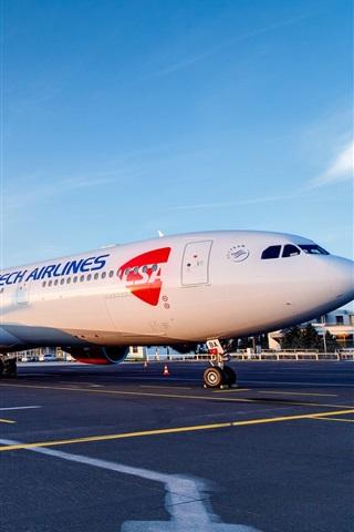 iPhone Wallpaper Passenger aircraft, Airbus A330, airport