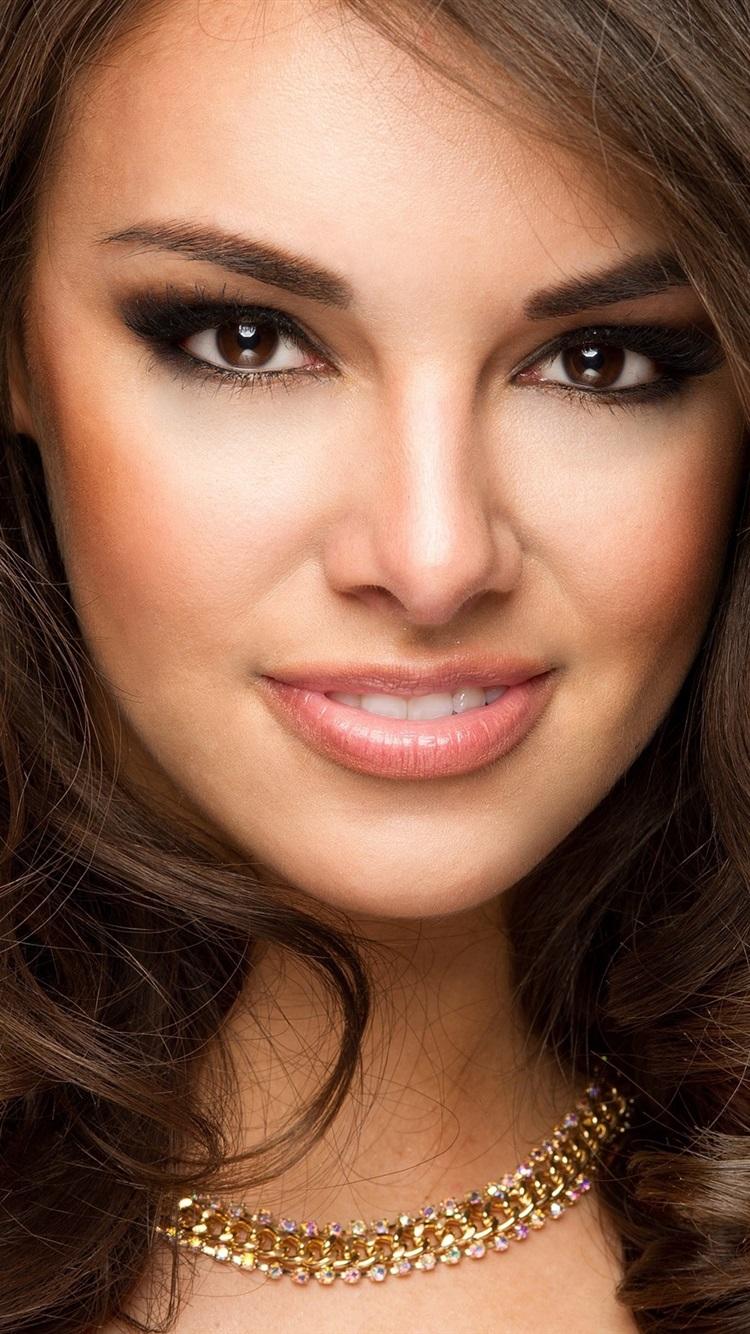 Smile Mädchen Gesicht Make Up Braune Augen Haare 2560x1600 Hd